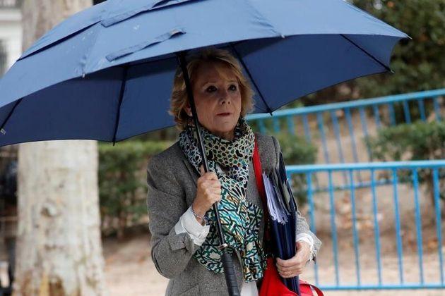 Esperanza Aguirre y su marido, ingresados en un hospital por