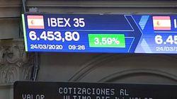La Bolsa se dispara un 7,82%, su mayor subida en 10 años, y Wall Street vive su mejor jornada desde