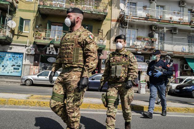 En Italie, premier foyer mondial, l'épidémie de coronavirus a déjà fait plus...