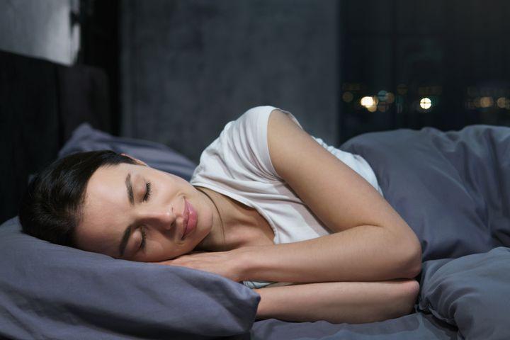 «Ενώ κοιμάστε, το σώμα σας χρησιμοποιεί τον χρόνο αυτό για να αποκαταστήσει και να επισκευάσει βασικές λειτουργίες».