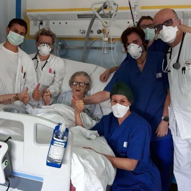 Alma Clara Corsini, 95 ans, a guéri du coronavirus près de Modène, en