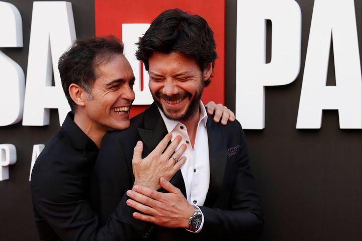 Los actores Pedro Alonso (Berlín) y Álvaro Morte (El profesor).