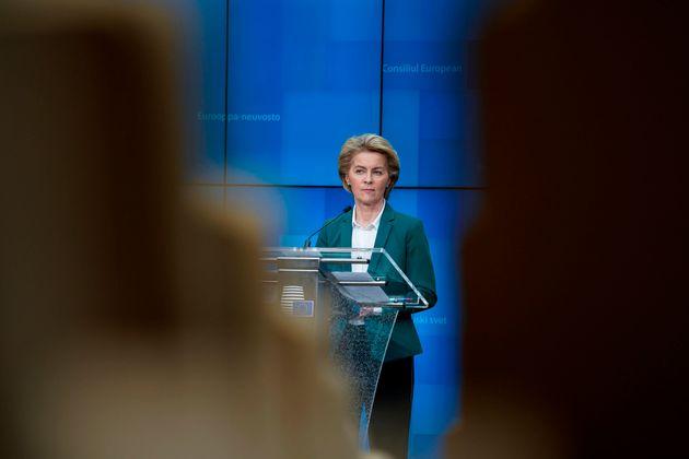 La présidente de la Commission européenne Ursula von der Leyen en conférence de...