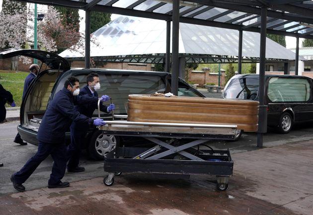 Κορονοϊός: Ο ισπανικός στρατός βρίσκει τους ηλικιωμένους στους οίκους ευγηρίας «νεκρούς ή