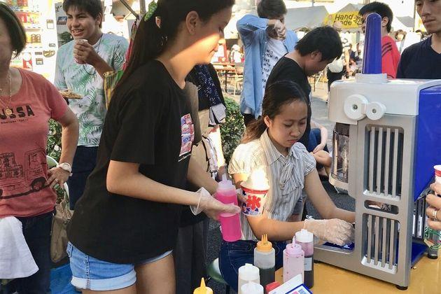 地域のお祭り。毎年、子どもたちと模擬店を出店する