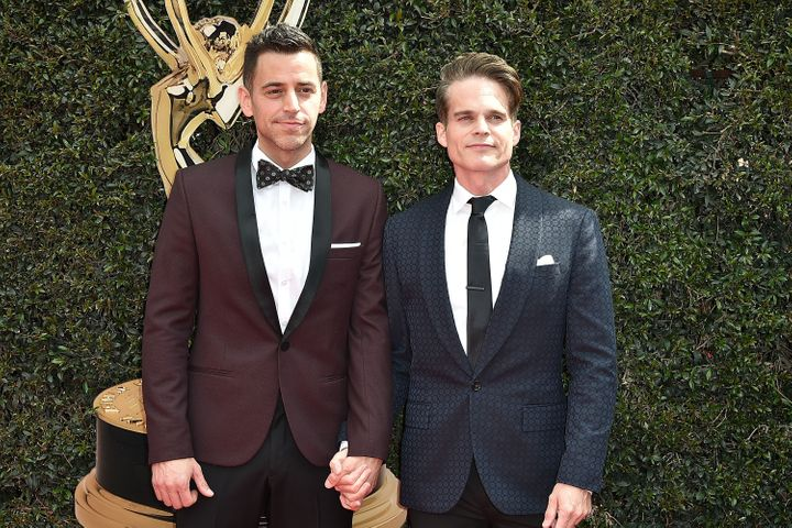 Greg Rikaart, right, with husband Robert Sudduth at the 2018 Daytime Emmy Awards.