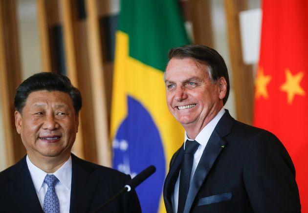 Jair Bolsonaro telefonou na manhã desta terça para o presidente chinês para desfazer...