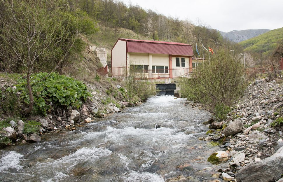 A small hydropower plant built within the boundaries of the National Park in Tresonche.
