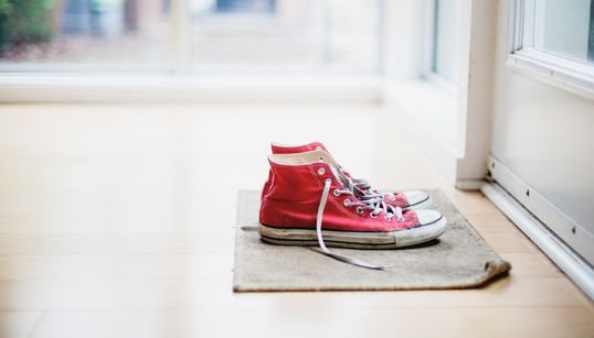 Can Coronavirus Live On Shoes And Be Brought Into Our