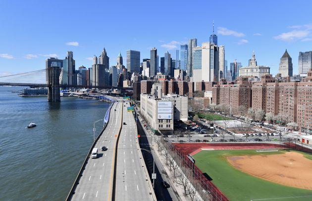앤드류 쿠오모 뉴욕주 주지사는 예상보다 빠른 속도로 코로나19 확진 건수가 증가하고 있다고