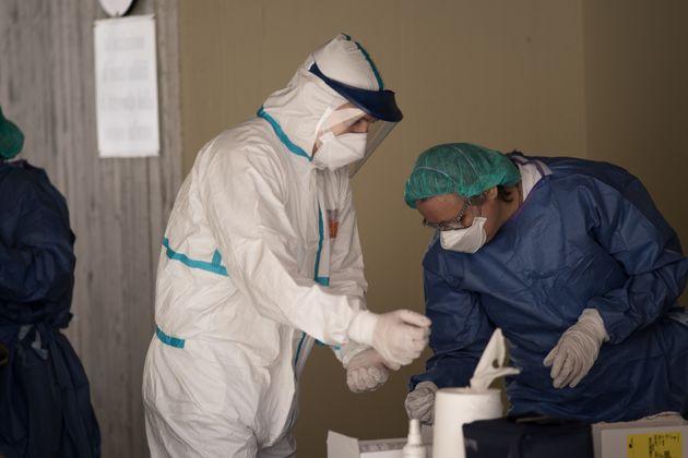 Più di 5mila contagiati tra medici e
