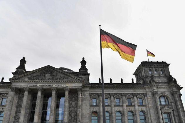 Η Γερμανία αποφάσισε νέο δανεισμό ύψους 156 δισεκατομμυρίων λόγω