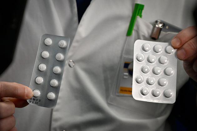 Des plaquettes de Nivaquine, des comprimés contenant de la chloroquine et du Plaqueril. (photo