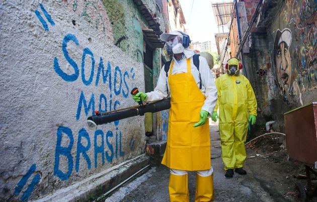 Brasil tem 2.433 casos de coronavírus em todo o