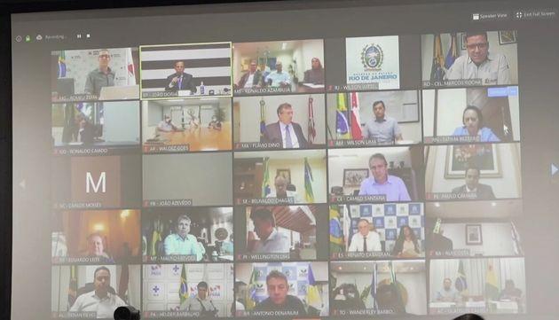 Governadores de 26 estados conversaram após Bolsonaro afirmar que população precisa retornar à