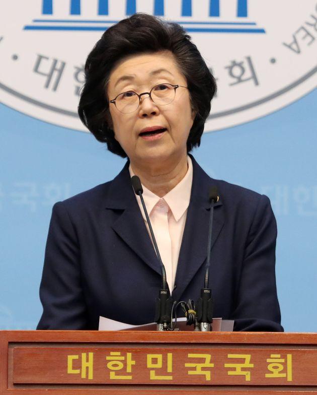 기독자유당으로 입당했던 이은재 의원이 '이중종교' 논란으로 또