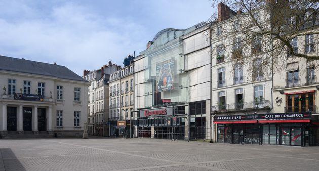 Un mois de confinement, comme ici à Nantes le 20 mars, équivaut à trois points de...