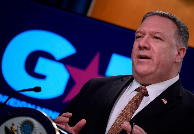 마이크 폼페이오 미국 국무장관이 G7 외교장관 회의 이후 국무부 청사에서 브리핑을 하고 있다. 워싱턴DC, 미국. 2020년