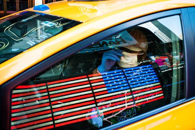 ΗΠΑ: 100 νεκροί σε μία μέρα στη Νέα Υόρκη, 37.000 τα