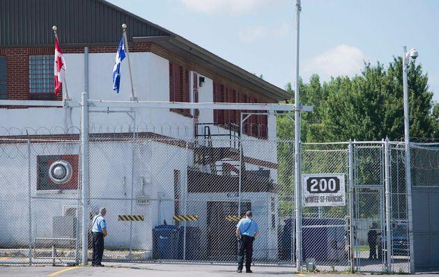 Le Centre de surveillance de l'immigration de Laval héberge des ressortissants étrangers...