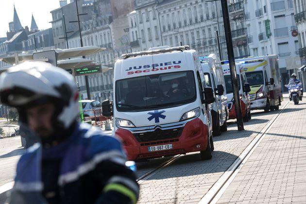Γαλλία: 365 νεκροί σε ένα 24ωρο, 30.000 τα