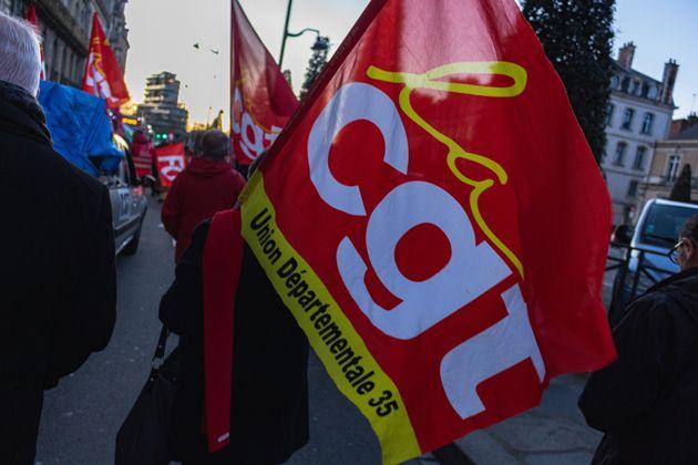 Un drapeau de la CGT photographié lors d'une manifestation contre la réforme des retraites