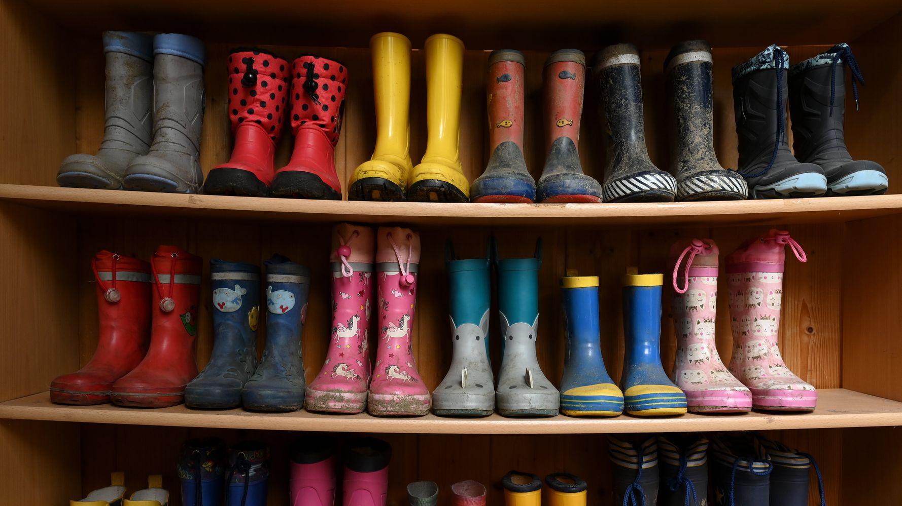 Les conseils de médecins pour ne pas rapporter le coronavirus chez soi avec ses chaussures