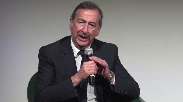 Giuseppe Sala, prefeito de Milão, admite erro por ter apoiado que a cidade não parasse em meio a surto...