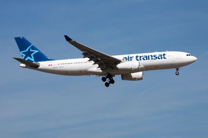 En vertu de leurs «politiques de flexibilité», de nombreuses compagnies aériennes refusent de rembourser les clients dont le voyage a dû être annulé, mais offrent plutôt des crédits pour un voyage ultérieur.