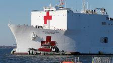Krankenhaus Marine Schiff Hetzen, Um New York, Reparaturen Unvollendet, Für COVID-19 Krise