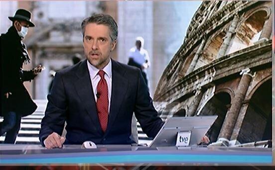 Carlos Franganillo, presentador del