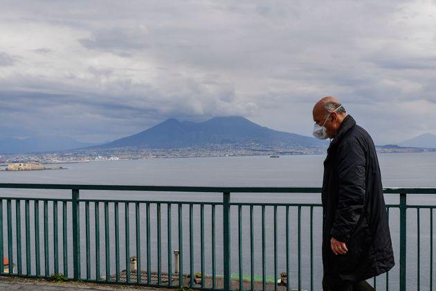 Ιταλία:Αγγίζουν τους 10.000 οι νεκροί αλλά ο Ρέντσι ζητά άρση των