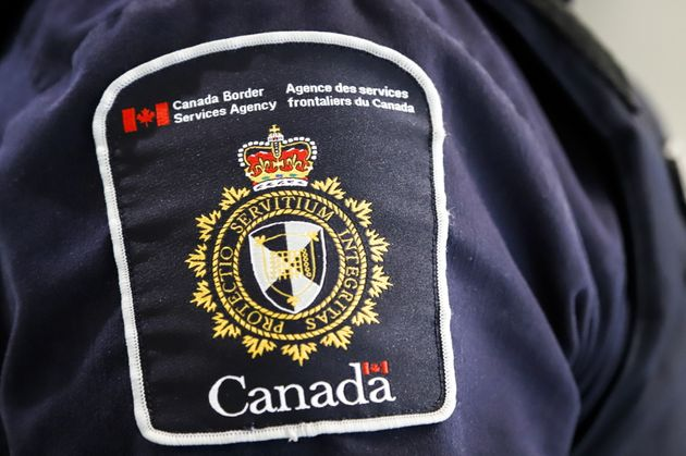 Un agent de l'Agence des services frontaliers du Canada (photo
