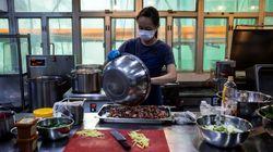 Χονγκ Κονγκ: Εργαζόμενοι τήρησαν την καραντίνα αλλά κόλλησαν κορονοϊό στο