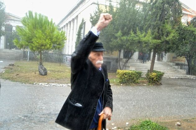 Σύσσωμος ο πολιτικός κόσμος θρηνεί την απώλεια του Μανώλη
