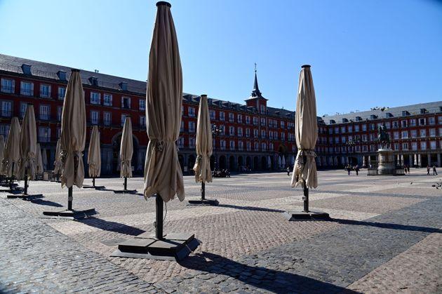 La plaza Mayor de Madrid, completamente vacía por el estado de