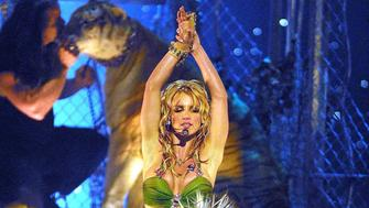 Britney Spears during 2001 MTV VMA Awards at Metropolitan Opera House in New York City, New York, United States. (Photo by Jeff Kravitz/FilmMagic)