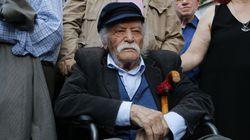 Muere Manolis Glezos, héroe de la resistencia griega y primer partisano