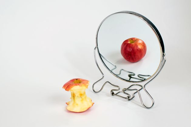 Perché per chi soffre di disturbi alimentari l'isolamento è un mostro (e un