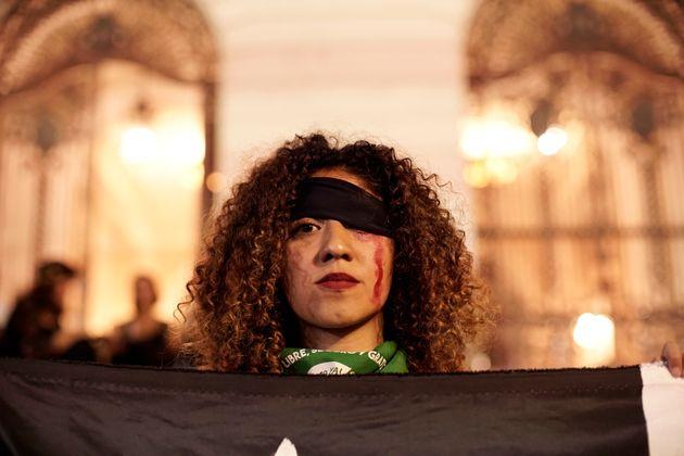 Os números de agressões às mulheres já são alarmantes no Brasil. De...