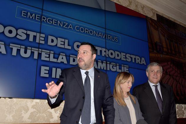 Salvini comincia a parlare di condoni