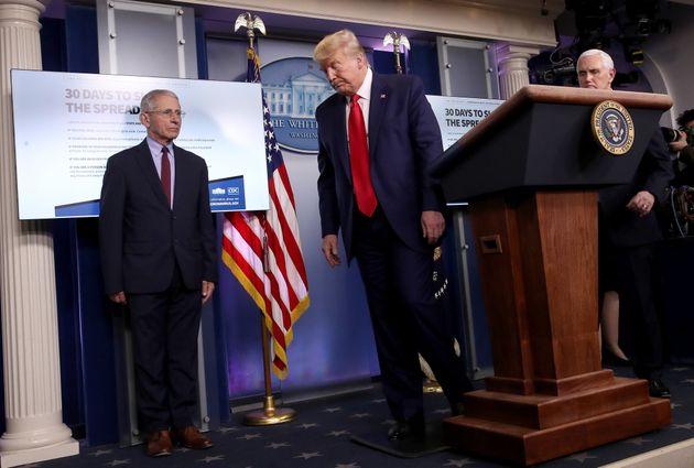 ΗΠΑ: Πάνω από 4.000 οι νεκροί, ενώ ο Τραμπ προειδοποιεί για δύο «οδυνηρές»