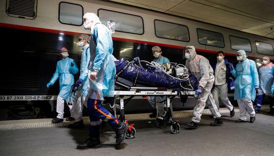Deux TGV médicalisés sont partis de Paris vers la Bretagne avec 36