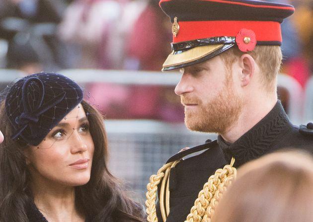 Le spese sono tante e Meghan Markle vuole che il principe Harry si trovi ...
