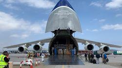 Νέα πτήση με υγειονομικό υλικό έφτασε από την