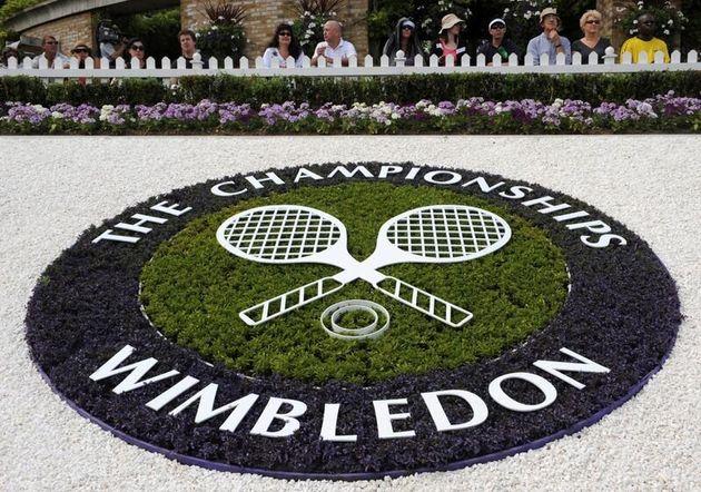 Si arrende anche Wimbledon. Torneo cancellato: non succedeva