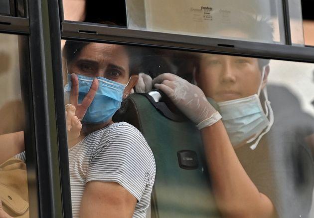 Cerca de 400 brasileiros que ficaram presos no Peru com as medidas preventivas ao coronavírus...