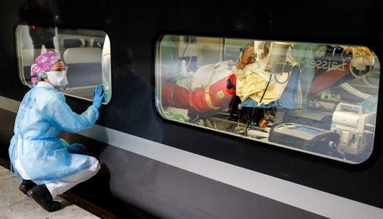Στη δίνη του κορονοϊού οι ΗΠΑ: Κάθε μέρα περισσότεροι νεκροί και ασθενείς - Ρεκόρ σε Ισπανία,