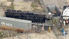 Ο Άνθρωπος Σκόπιμα Εκτροχιάστηκε Τρένο Στην Προσπάθεια Να Σπάσεις Το Νοσοκομείο Πλοίο, Ομοσπονδιακοί