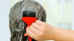 Πώς θα βάψουμε τα μαλλιά στο σπίτι χωρίς να τα